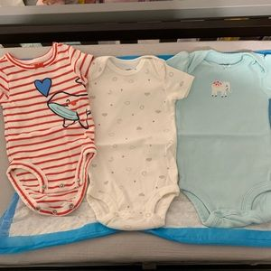 3 carters new onesies newborn